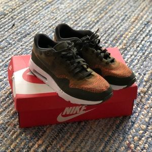 🎉NWT - Nike Air Max 1 Ultra Flyknit